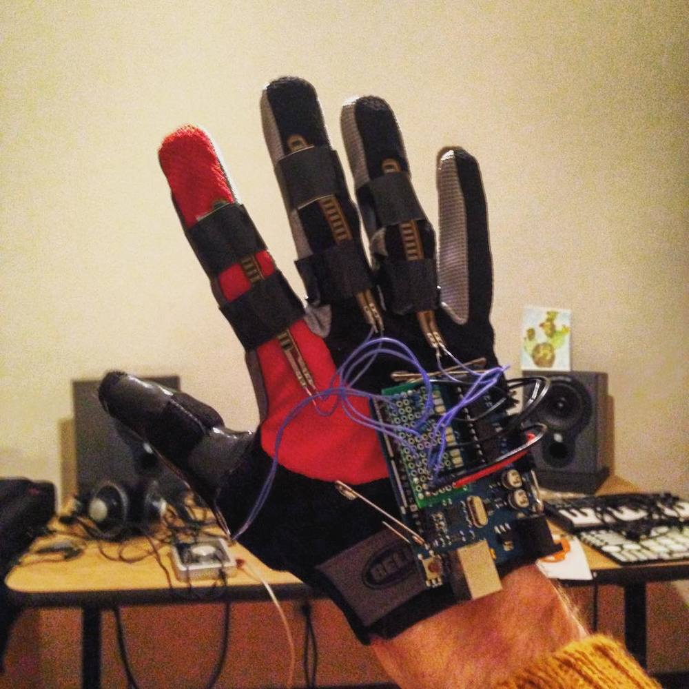 SAM data glove prototype - flex sensors only
