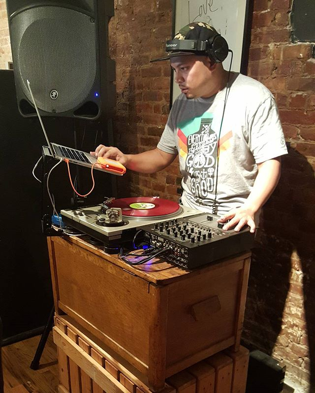 You know we #dontforgetaboutthedj! @officialdjynot setting the #mood. #CoolCreatives #PopUpShop @artsoindulge