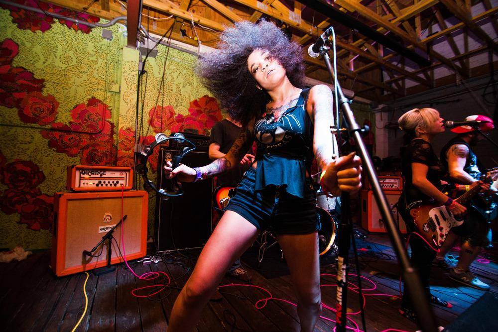 TheGirls!.BocaFiesta.Sun.TommyCalderon-3.jpg