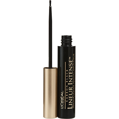 4.Liquid Eyeliner - Liquid liners lock in place as soon as you put them on. They can be really hard to master, but once you get it right, it's totally worth it to have a good eyeliner on all day.
