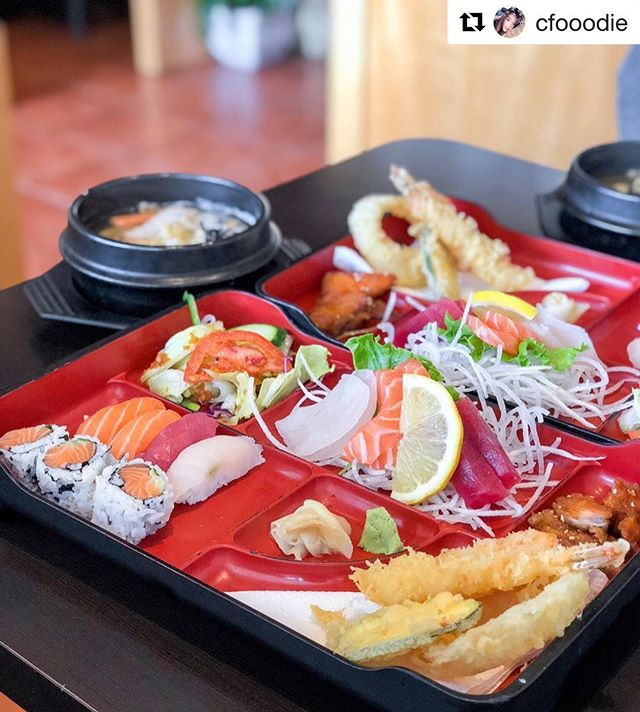 Can't believe how fast we are moving to end of February already!? Thank you for this amazing photo! #Repost @cfooodie with @get_repost ・・・ r(S)USHIng to get my food like 🏃🏻‍♀️ #shotoniphonex . . 🤤 Oyaji Lunch 🍱 - A: Sushi 4pcs, sashimi 6pcs, salmon roll 3pcs, shrimp+veggie tempura, & udon noodles $13.95 (super filling and it was such a great deal) . . #oyajisushi #sushi #sashimi #salmonroll #udonnoodles #tempura #japanesefood #richmondhilleats #blogTO #dhtofood #tastetoronto @blogto #多伦多#torontofood #huffposttaste #FNCEats #narcitytoronto #doitforthegram #thedailybite #torontofoodie #markhamfood #curiocityTO #cfooodie