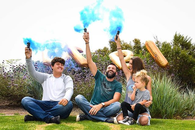 Congrats to this amazing family on their new addition. I was lucky enough to join them in their smoke bomb gender reveal. #genderrevealparty #smokebomb #itsaboy #mytribe