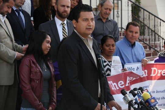 Christian Ramírez es uno de los activistas de San Diego que apoyan las medidas anunciadas por el presidente Barack Obama.Peggy Peattie/UT San Diego