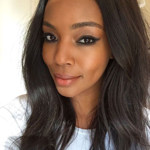 Yesterdays beauty on this beauty @thatssogermaine  for @jamesjeans | Hair & Makeup by me @niasjoy | #JamesJeans #Photoshoot #lookbook #Natural #Makeup #SoftWaves #Hair #PlusSize #model #BTS #MakeupArtist #Beauty #Niasjoy