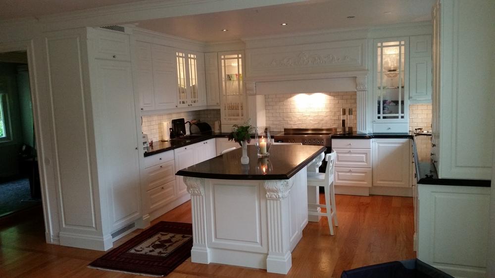 VÃ¥re herregÃ¥rds  og klassiske kjøkken — det stolte kjøkken