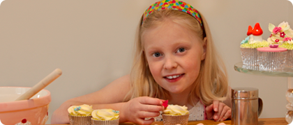Children's parties A cupcake decorating party is the perfect way to keep the little people busy! Whether you are after a fun birthday party activity or an exciting way to keep children entertained during a wedding reception, we can provide a suitable children's cupcake class or offer a range of party packages to suit your needs. Held in your home or party venue, we will arrive in plenty of time before the party starts to set up. We take pride in arranging the cupcake decorating table to look immaculate and impress your guests on their arrival.