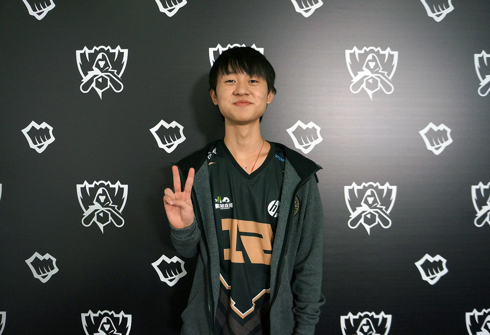 RNG's support, Ming, will be a vital cog in ensuring Uzi has all the support he needs to succeed - starting from the basics of laning phase.