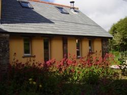 Barn exterior in Summer.jpg