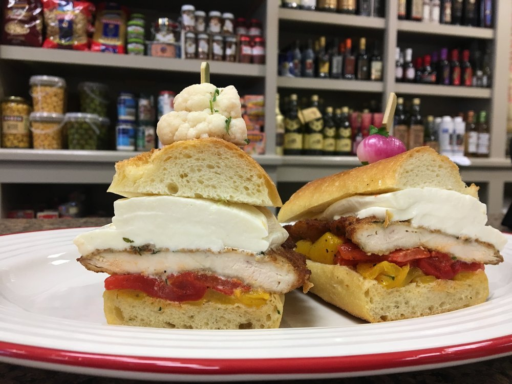 #7 SandwichChicken Cutlet, Fresh Mozzarella & Roasted Peppers -