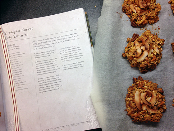 Breakfast carrot cake biscuits