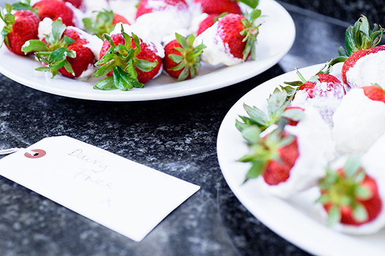 Yoghurt-dipped frozen strawberries