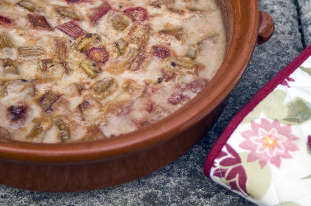 strawberry-rhubarb-oven-baked-risotto-vegan-schwartz