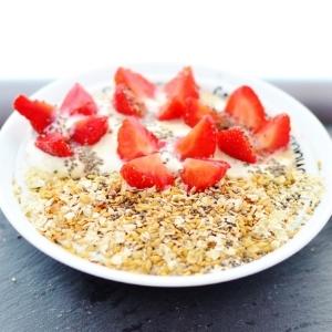 toasted-oats-strawberry-breakfast.jpg