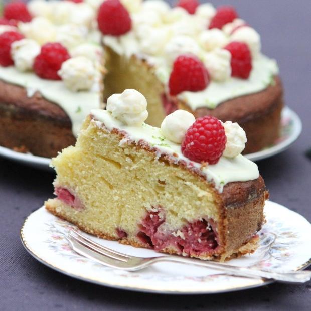whitechocoraspberrycake.jpg