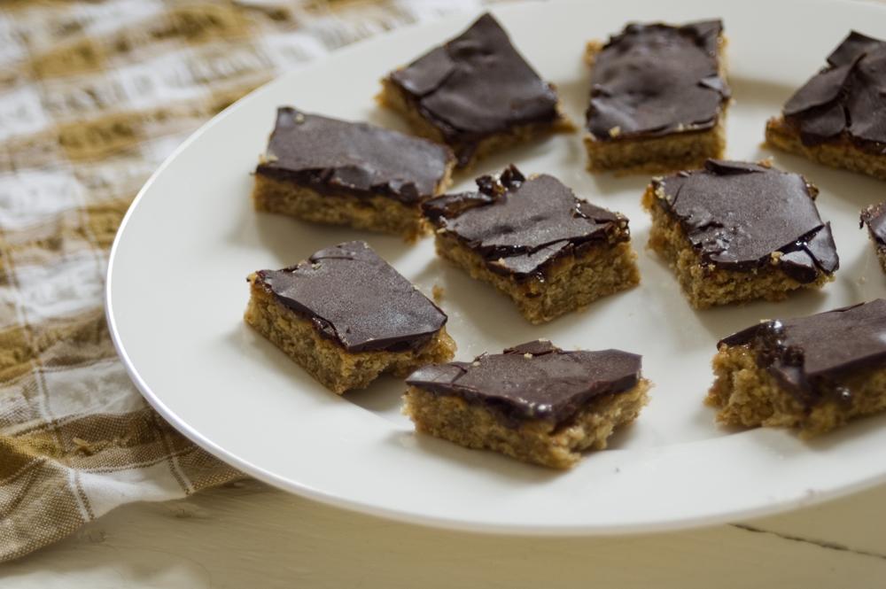Chocolate-Jaffa-Oat-Bars-GBBO-2016-healthy-refined-sugar-free-recipe