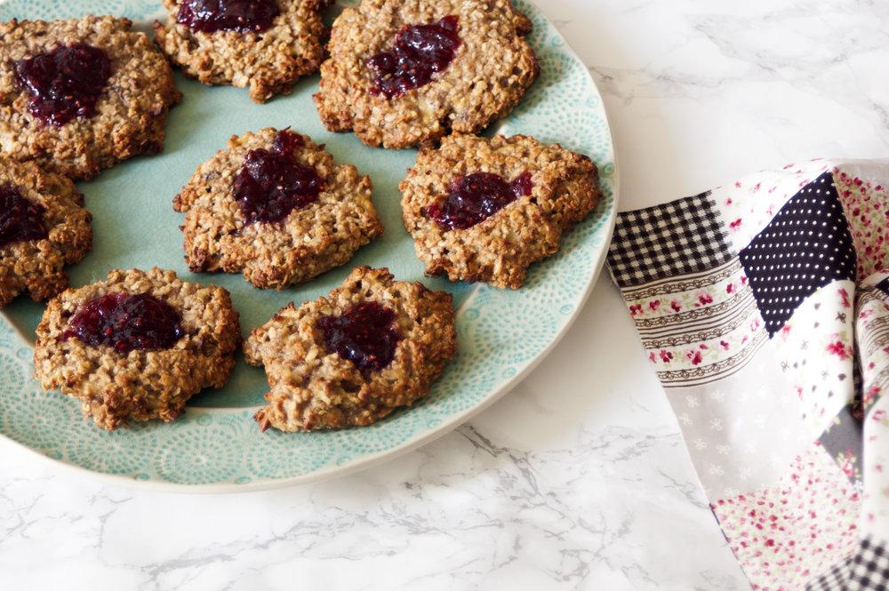 Vegan-peanut-butter-jam-cookies
