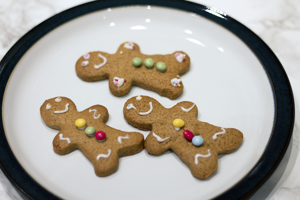 BKD-mini-gingerbread-men-giveaway