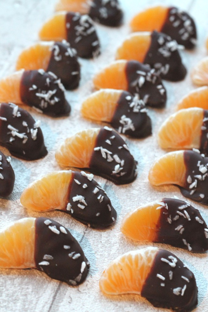 Chocolate-dipped-satsumas-healthy-kids-birthday-party-food