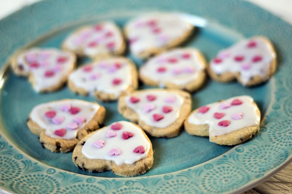 Valentine's Day shortbread heart biscuits - vegan recipe