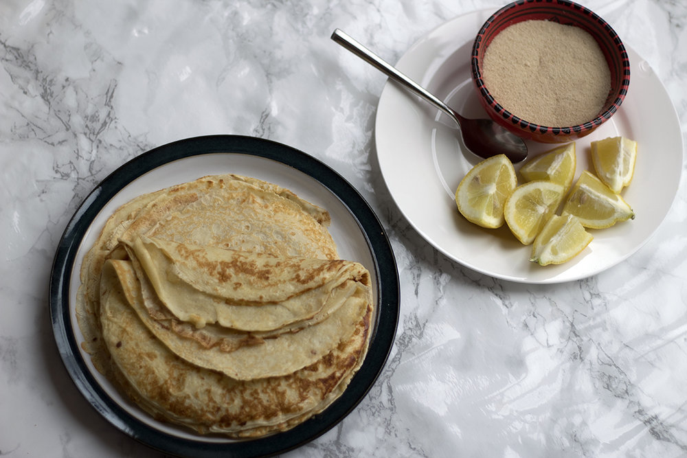 How to make a really easy pancake with lemon and sugar
