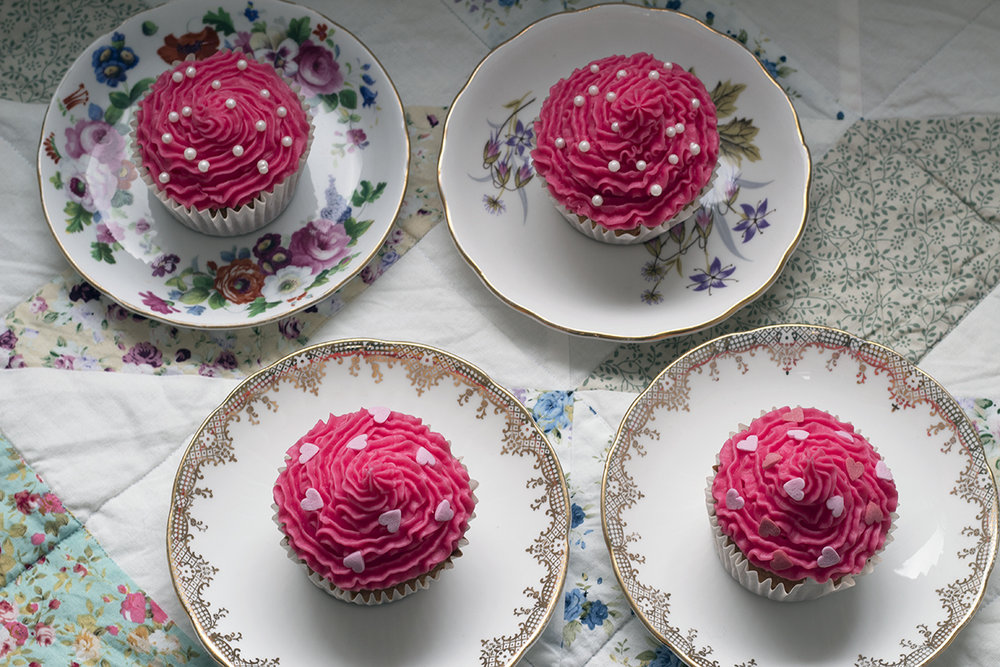 Easy recipe for pink vanilla cupcakes