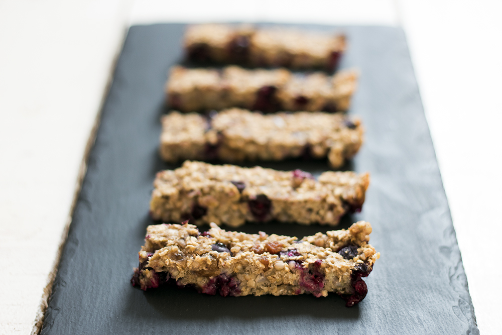 Blueberry and banana buckwheat oaty bars