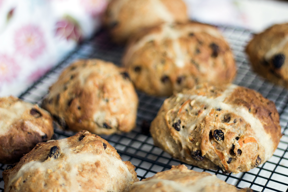 Apple and carrot hot cross buns - vegan and no added sugar