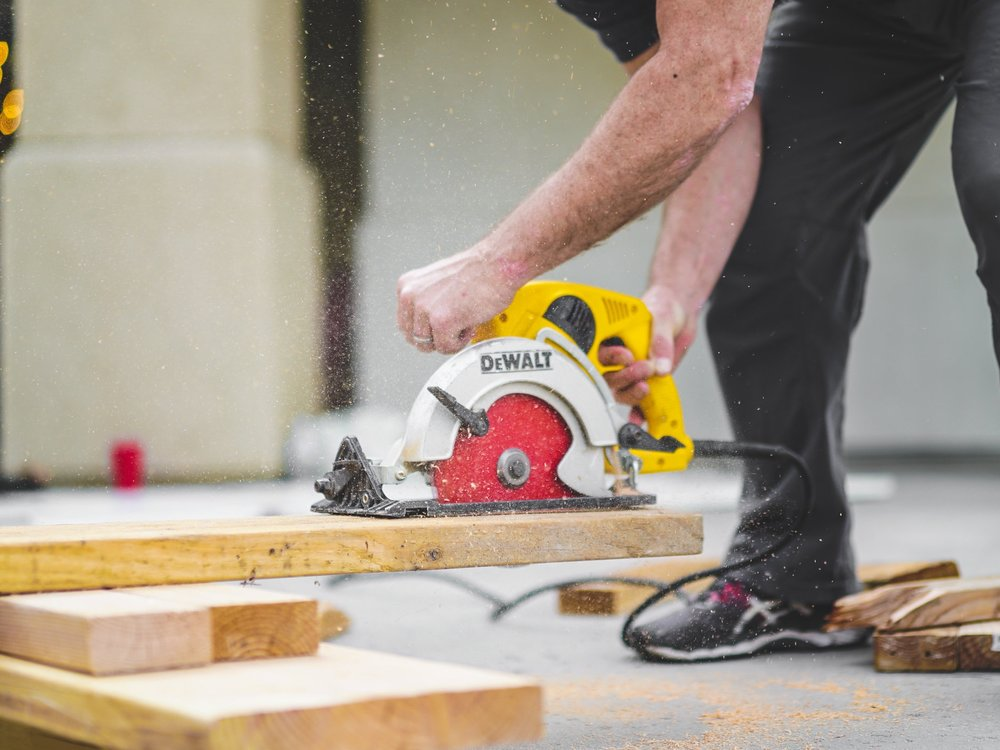 Quality Services - We hire only the most highly skilled workers with the right skills for each job. All of our staff have significant experience in the field of construction. Our team of partners are skilled architects and engineers who are well-known professionals in the industry.