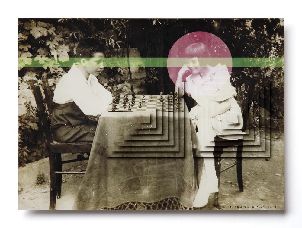 scacchi in giardino.jpg