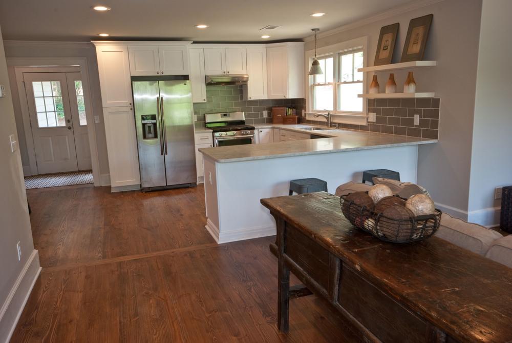 kitchensm.jpg