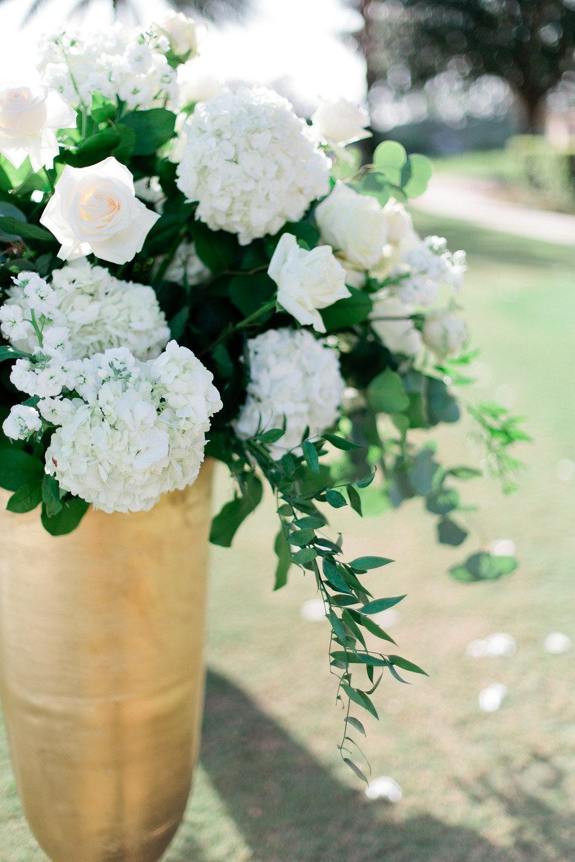 Blush garden roses for wedding ceremony
