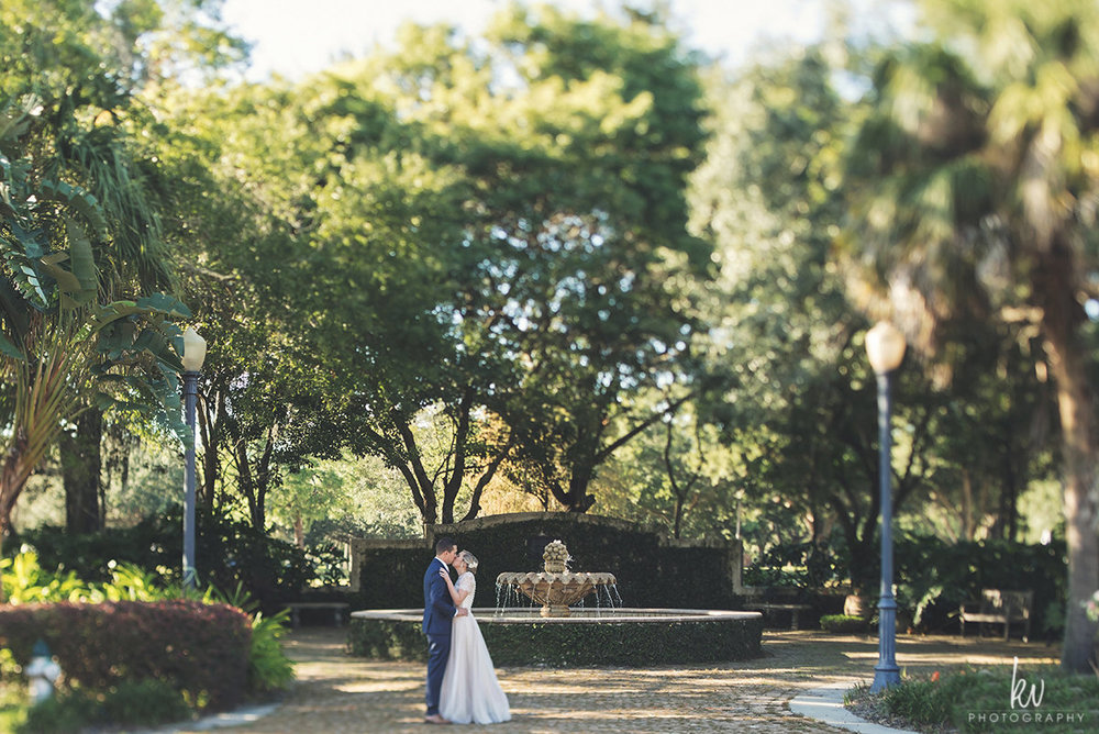 Beautiful foundation landscape, Winter Park wedding