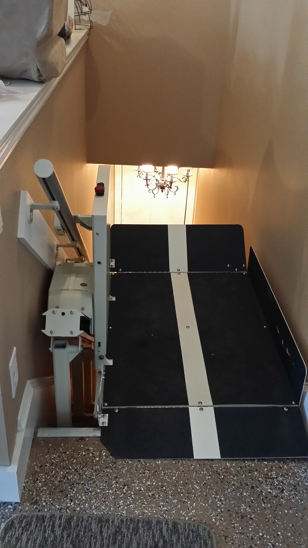Opened Platform Incline Lift