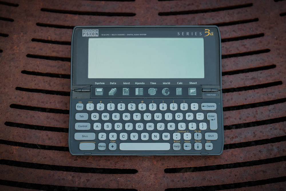 psion3-on-metal.jpg