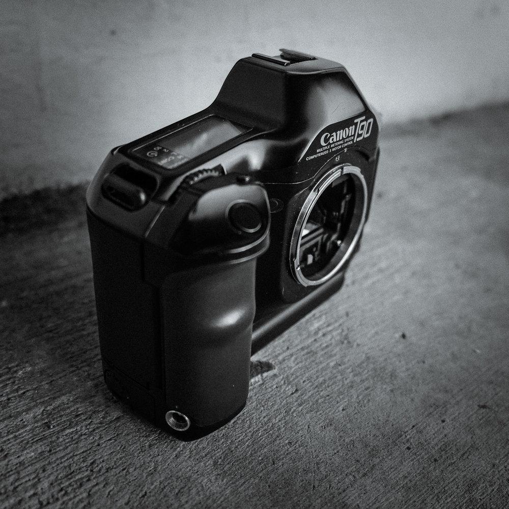 canon-t90-15.jpg