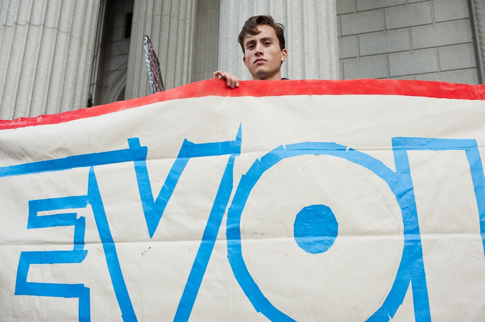 #Occupywallstreet protester across from Foley Square on the steps of the New York Supreme Court. 10/5/11