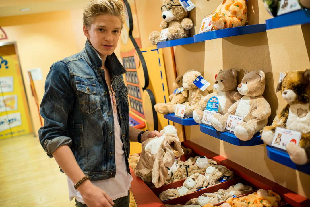 Cody Simpson was at Build A Bear Workshop to help kick off the Marine's Toys for Toys annual drive.