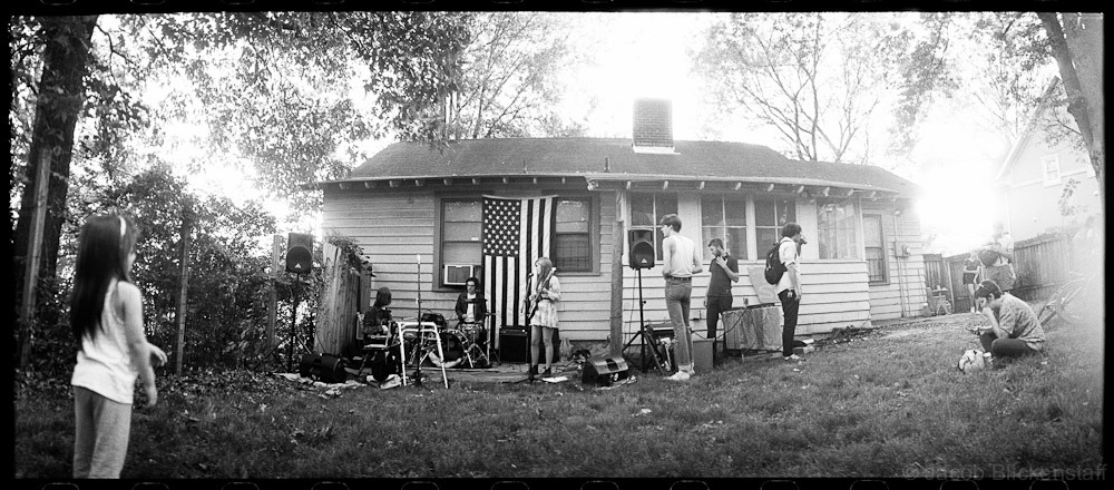 Memphis backyard, band