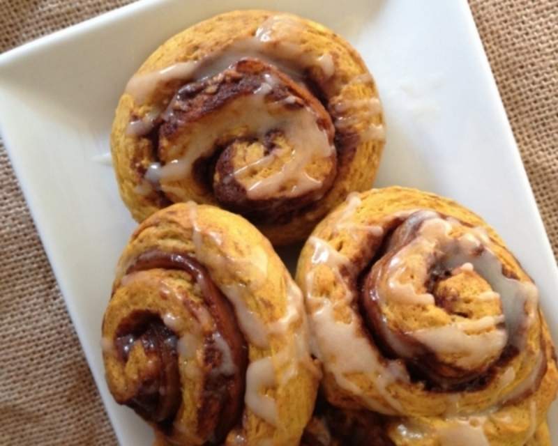 Bacon Pumpkin Cinnamon Rolls (with Robinhood Meetinghouse Pumpkin Cinnamon Rolls)