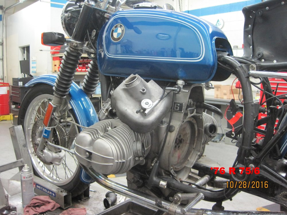 Craig Smith's '76 R75/6 in for some important transmission work