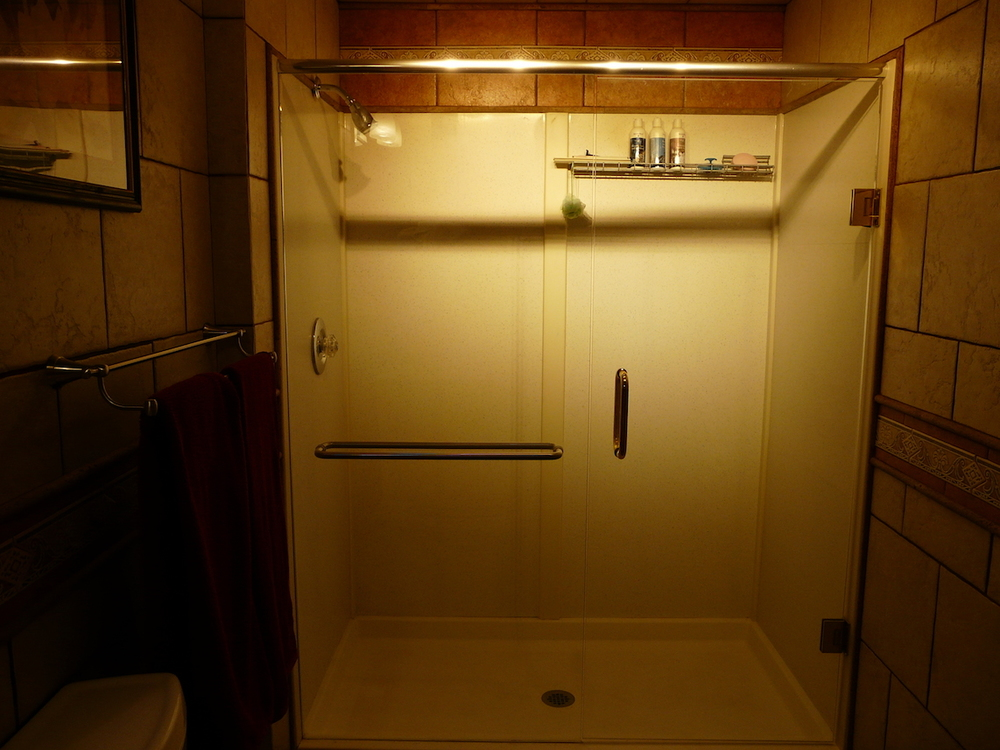 shower door 2.jpeg