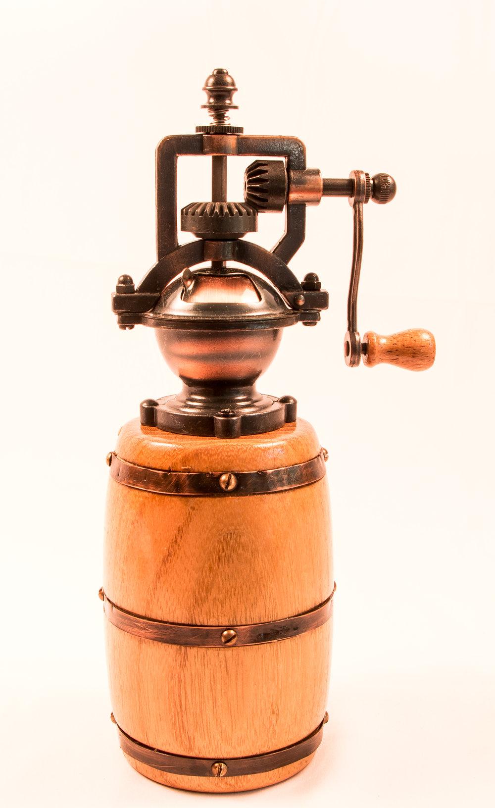 Barrel pepper grinder