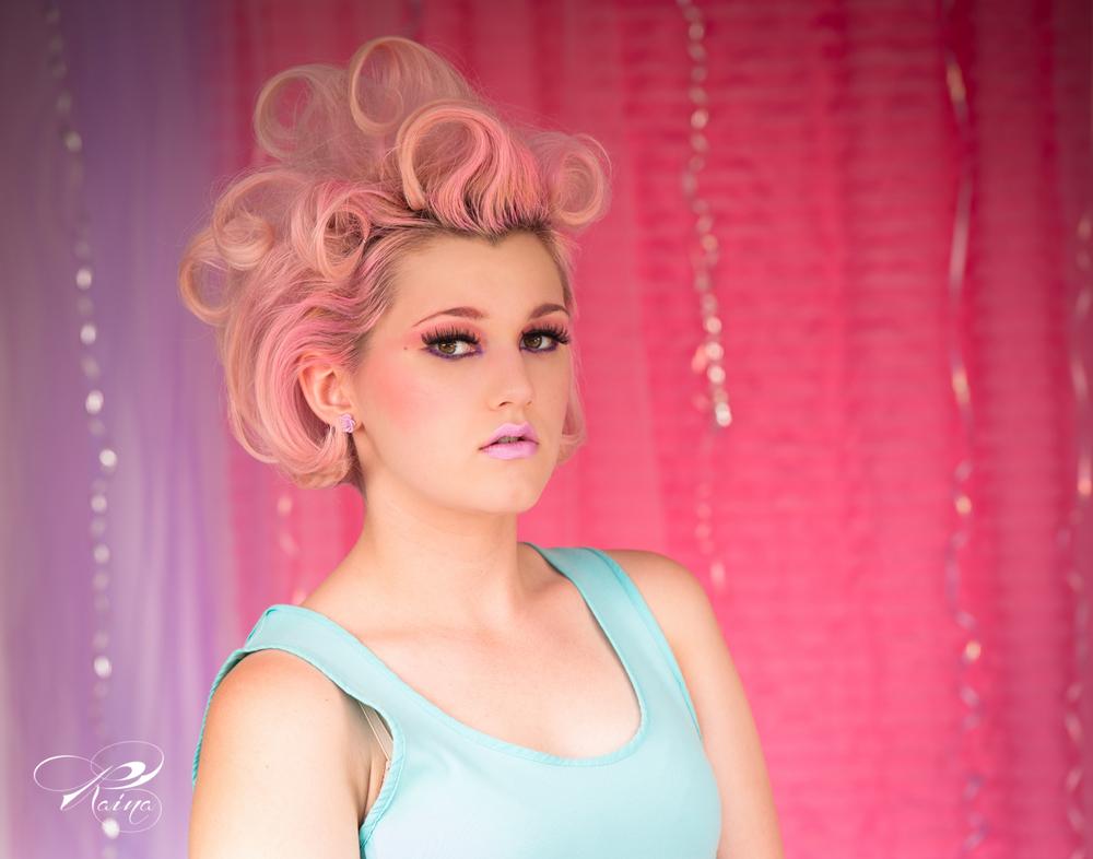 ©Raina Stinson Photography-cupcake girl-1.jpg