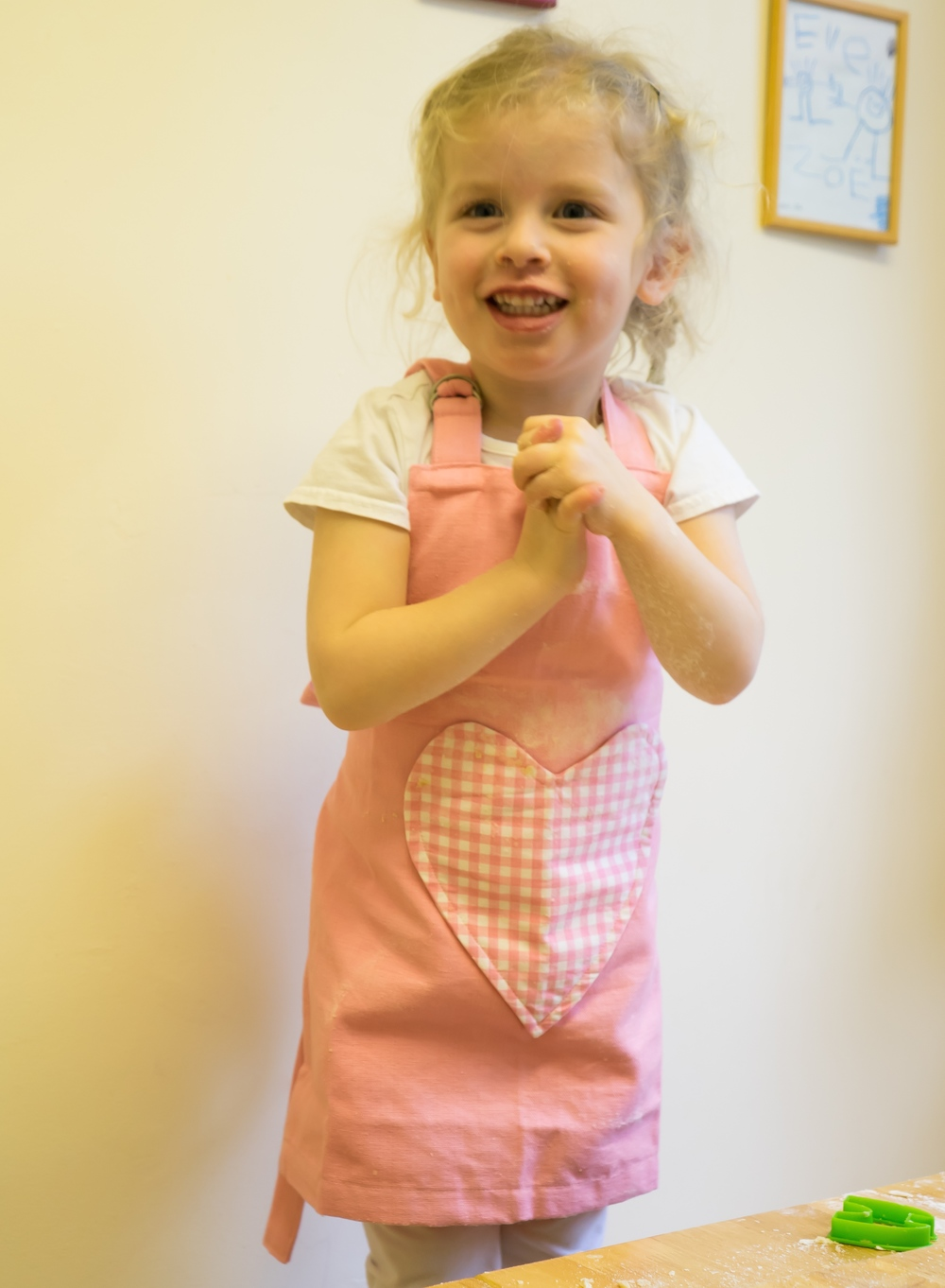 Pink Heart Apron with heart pocket, adjustable neck strap, 100% cotton,  41x48cm, aged 2-4 (also available aged 5-8) - Kitchen Rules