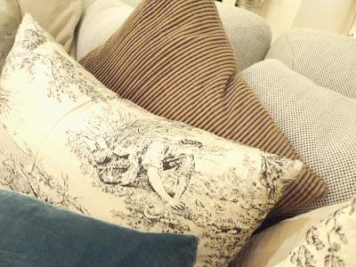 Mandarin+Barcelona+Cushions.jpg