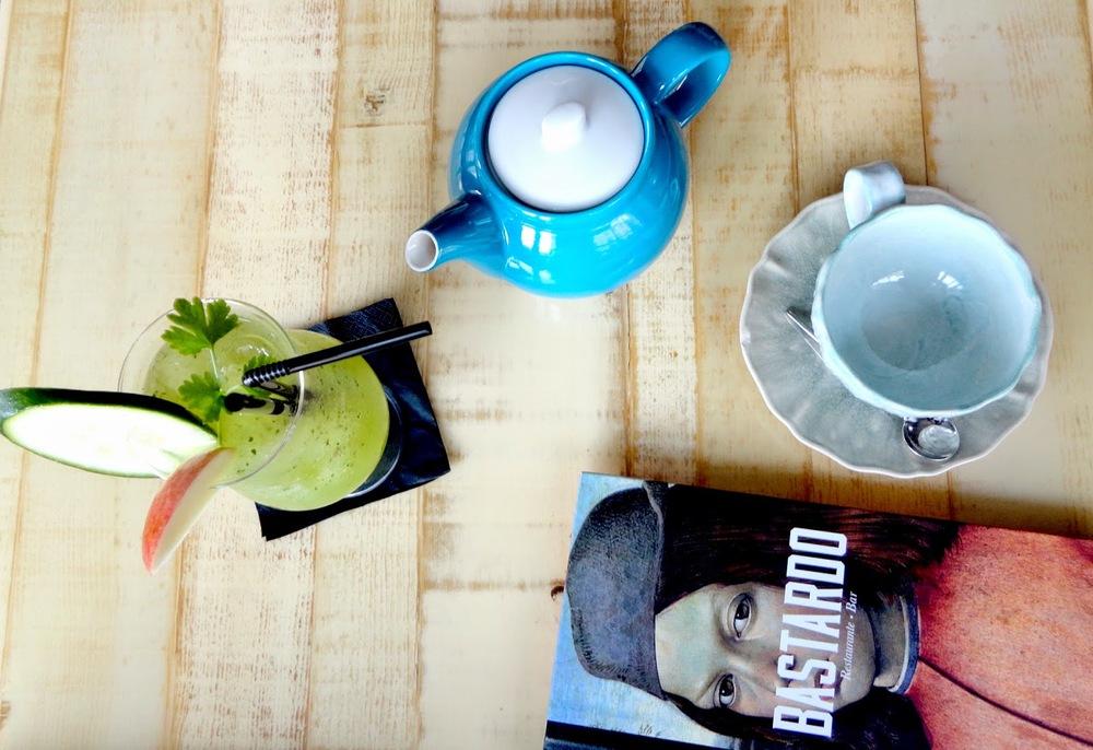 Na terça-feira fui lá jantar com a Joana e com a Ana Maria e no dia seguinte fui beber um chá de menta e gengibre com a Filipa. Para ambas ocasiões é um sitio a ir (e ficar).