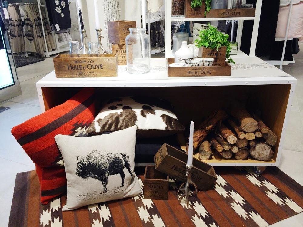 Entre a escandinávia e o mediterraneo, nascem estas peças que apetece levar para casa - os acessórios de madeira ficam sempre bem, mesmo nas cozinhas mais minimalistas, não achas?