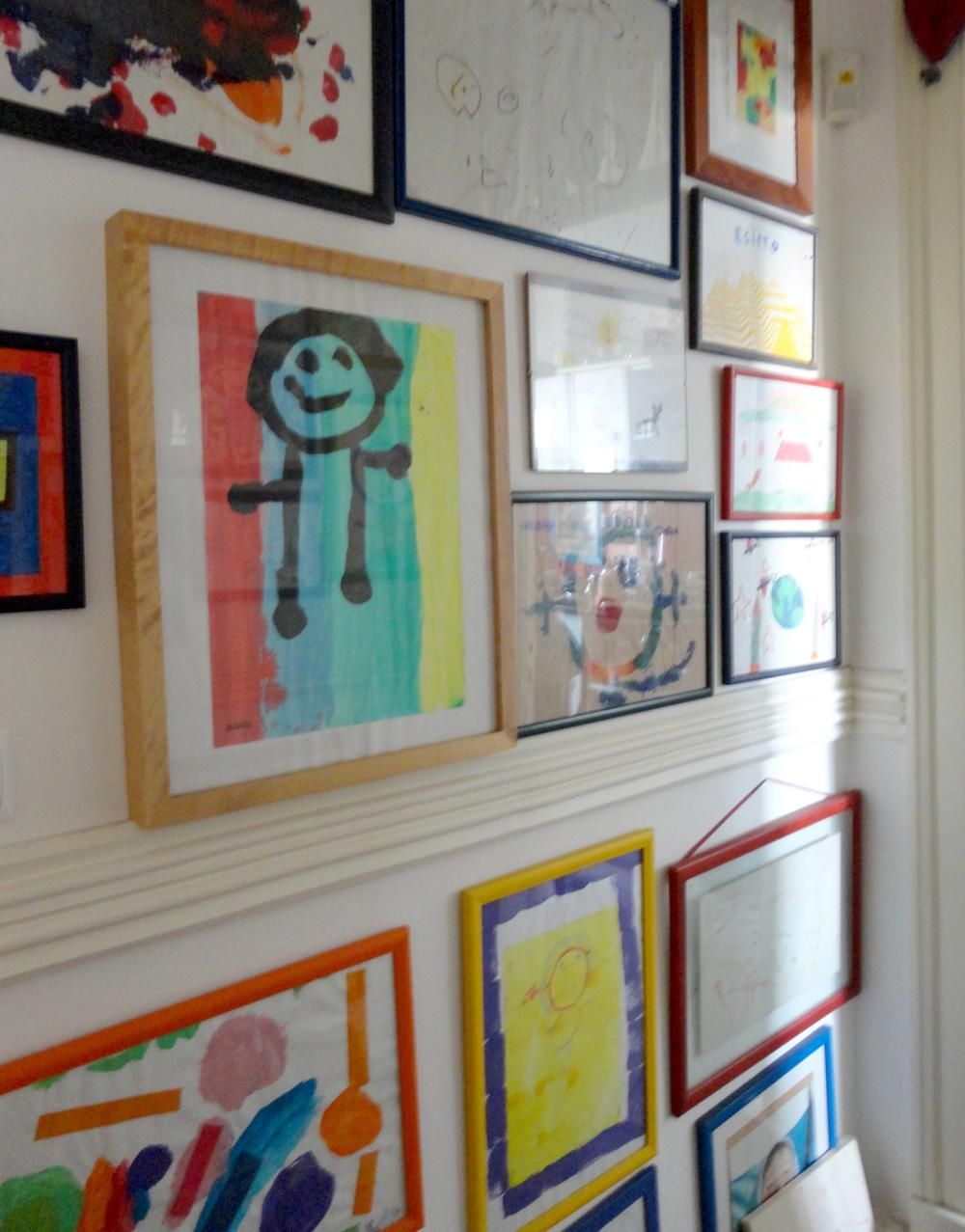 pinturas dos filhos, sobrinhos e enteados quando eram pequeninos.
