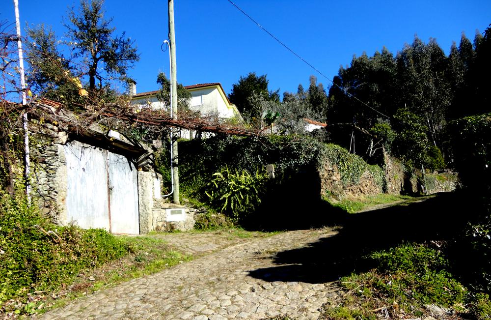 aldeira lourizela, um dos lugares na freguesia para explorar.