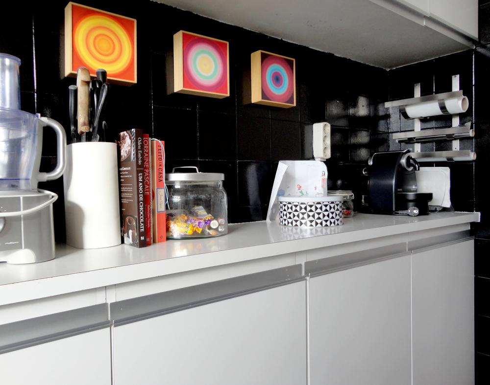 pequenos toques de arte para uma arty kitchen!